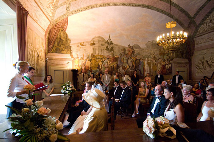 Lucignano Town Hall, Civil Wedding in Tuscany