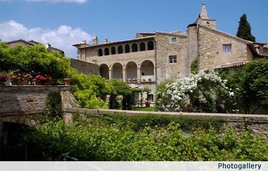 Elegant Umbrian Wedding Palazzo near Assisi